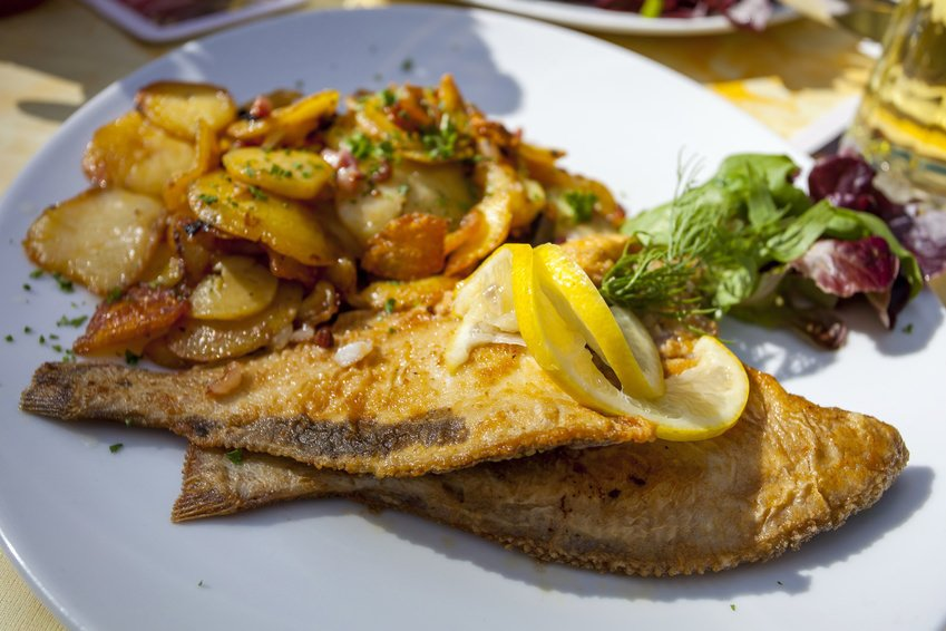 Plaice with fried potatoes