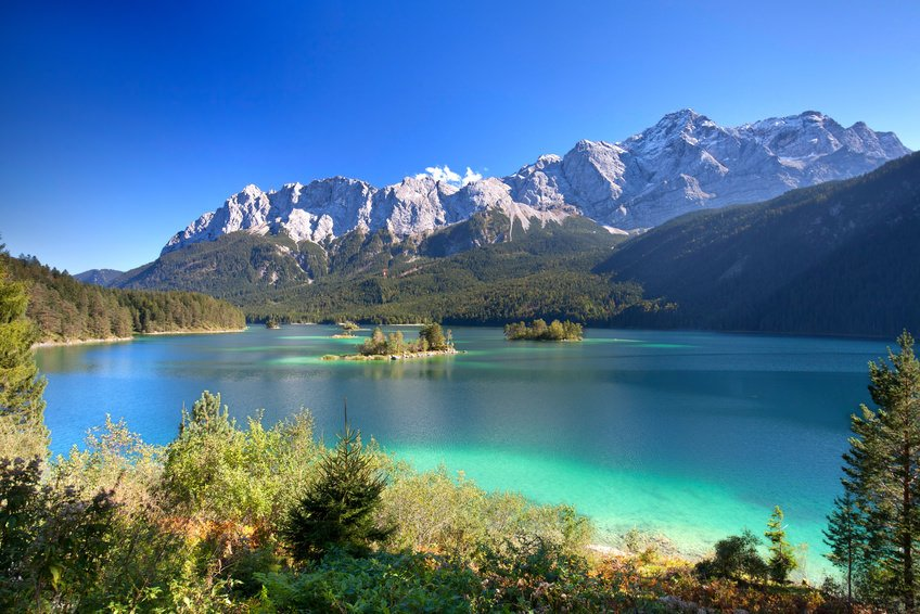 zugspitze and lake eibsee awesome travel destinations in germany. Black Bedroom Furniture Sets. Home Design Ideas